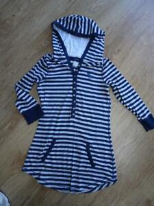 ABERCROMBIE & FITCH ladies grey navy stripe hooded 3 / 4 sleeve top SMALL 8 - 10