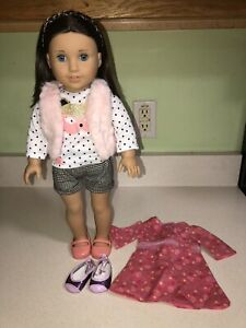American Girl Doll Chrissa Maxwell GOTY 2009 Set With Meet Extra Outfit Headband