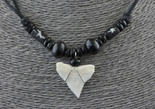Collier avec dent de requin bijoux ethnique perles bois- BB564  SD3