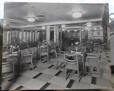 CUNARD WHITE STAR LINE RMS QUEEN ELIZABETH 2ND WINTER GARDEN STUART BALE PHOTO