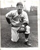 1937 (Apr.19) Baseball Original Wire Photo, Bill Jurges, Chicago Cubs, Pre-game