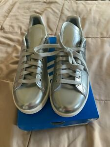 Adidas Women's Stan Smith Silver Metallic Shoes FW5477 Size 7 US new with box