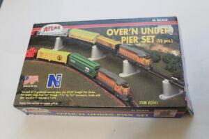 N Scale Atlas Model Train Over'N Under Pier Set and Bridge