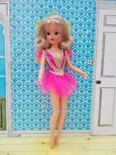 Stunning 1970s hard head ballerina Sindy with ash blonde hair, 1 ankle poses!