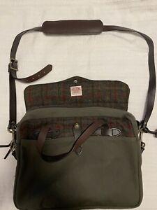 Filson - Harris Tweed Rugged Briefcase In Dark Green