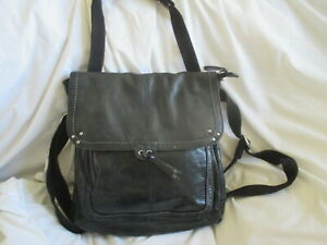 THE SAK BLACK DISTRESSED LEATHER CONVERTIBLE/ BACKPACK BAG