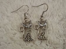 Silvertone Rhinestone Siamese CAT Pierced Earrings (A41)