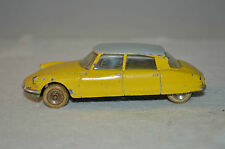 Dinky Toys 24C 24 C Citroen DS 19 in yellow in super original condition