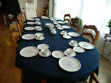 Creative Royal Elegance Fine China of Japan for 12 with 2 Serving Pieces    15-2