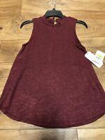 New With Tags GB Girls Gianni Bini Size Medium Sleeveless Maroon Red Sweater Top