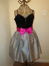 Pretty Party Place  Dress in Black and White with Magenta  Sz 9 Jrs.