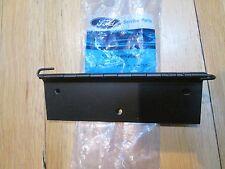 NEW OEM 1993 94 FORD TAURUS GLOVE BOX DOOR HINGE