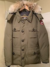 Canada Goose Mens Large Military Green Banff Parka with Coyote Fur