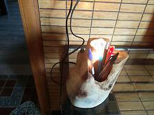 lampada artigianale in legno con annesso portapenne