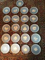 LOT 21 Vintage Wedgwood Blue Jasperware Plates Classical Christmas 1970-1990