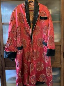 Beautiful Vintage Large Chinese Silk Gown c1950