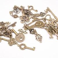 100g Antique Vintage Old Look Bronze Skeleton Keys Fancy Heart Bow Pendant Decor