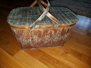 Vtg Red-Man Picnic Basket w/Label, Metal Handles Diamond weave Teal Wash
