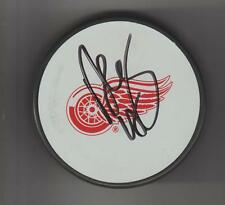 Dan Cleary Detroit Red Wings AUTOGRAPH PUCK SIGNED