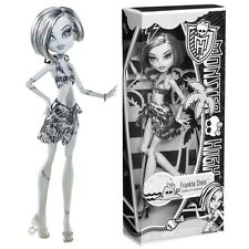 Monster High~~Skull Shores FRANKIE STEIN Black & White Exclusive Retired VHTF