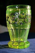 Biedermeier Ranftbecher, hellgrünes Uranglas, Silberbemalung