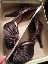 Ladies Pumps Metallic Copper by Delicous Size 6.5