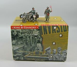 King & Country WS087 HALT! Wassen SS WWII Motorcycle & Sidecar Set MIB