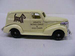Lledo Days Gone 3005 Chevrolet Panel Van Spratts Dog Food