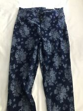 HUE Women's Stretch Denim Floral Print Skimmer Pants Tulip Hem Medium NWT