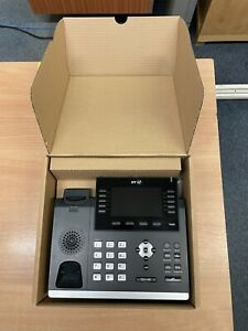 4 X Yealink HD SIP-T46G (BT) & 1 x Yealink HD SIP-T46S IP PoE Telephone USED