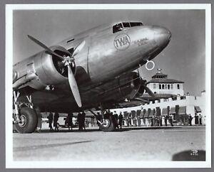 TWA DOUGLAS DC-3B LARGE VINTAGE MANUFACTURERS PHOTO AIRLINE