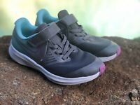 Nike Star Runner Shoes 2 Girls Kids Youth Size 13 C Sneakers. Excellent! $49