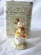 BORDER FINE ARTS ~ BRAMBLY HEDGE ~ MRS CRUSTYBREAD WITH MIXING BOWL ~ BH25