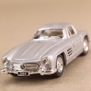 Silver 1954 Mercedes-Benz 300 SL Coupe Gull Wing 1:36 Scale Die-Cast Pull Back
