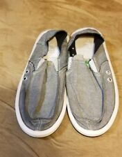 size 11 men sanuk vagabond shoes stain on the heel