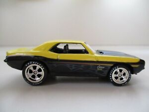 HOT WHEELS - LARRY'S GARAGE CHASE - (1969) '69 CHEVROLET CAMARO - (REAL RIDERS)