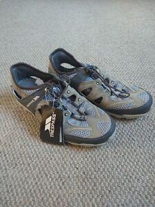 Trespass Size 5 Trainers Candy cabin grey Kharki Wallking Hiking Active