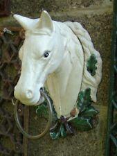 tête de cheval , buste en fonte pat couleurs , statue ... porte serviette