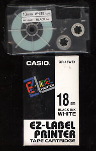 1x Casio XR-18WE1 BLACK / WHITE 18mm  Farbband LABEL TAPE EZ-Label Tape