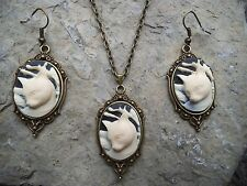 KITTY CAT CAMEO NECKLACE AND EARRINGS SET-- BRONZE, GIFTS, CAT LOVERS!!