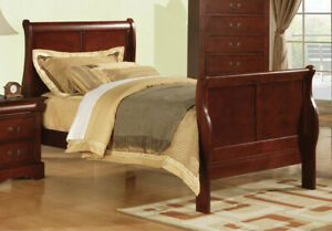 Bowery Hill Traditional Wood Sleigh Full Bed in Cherry