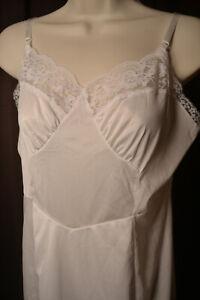 White Ladies Full Slip by Aristocraft, size 36