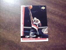 CLYDE DREXLER 1993 UD BASKETBALL , NBA SIGNATURE MOVES , GLIDING LAYUP  #2238