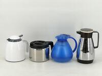4 Isolierkannen, Thermoskannen, Warmhaltekannen Konvolut Silber Blau Weiß