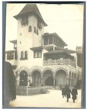 France, Paris, Pavillon de Bosnie  Vintage silver print. Exposition Universelle
