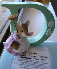 "BEATRIX POTTER ""HUNCA MUNCA SWEEP  'D'  FIGURINE"" A4996 MINT IN BOX"