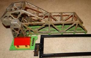 VINTAGE LIONEL BASCULE DRAW BRIDGE #313, O SCALE