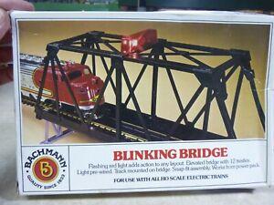 HO BRIDGE  BACHMANN BLINKING BRIDGE