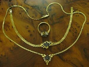 14kt 585 Gold Jewelry Set with Sapphire & Diamond Trim / Necklace,Wristband &