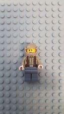 LEGO Star Wars~Resistance Trooper ~ Dark Tan Jacket, Frown, Furrowed Eye ~ 75131